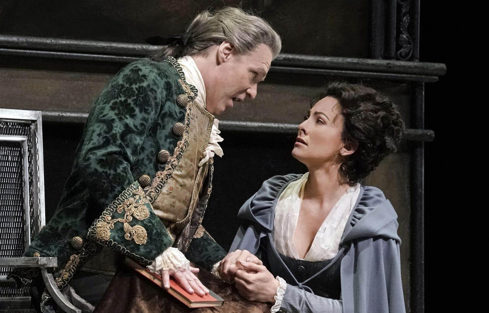 Le baryton québécois Jean-François Lapointe (ici avec Isabel Leonard) a fait des débuts remarqués au Metropolitan Opera dans le rôle du Marquis de la Force.