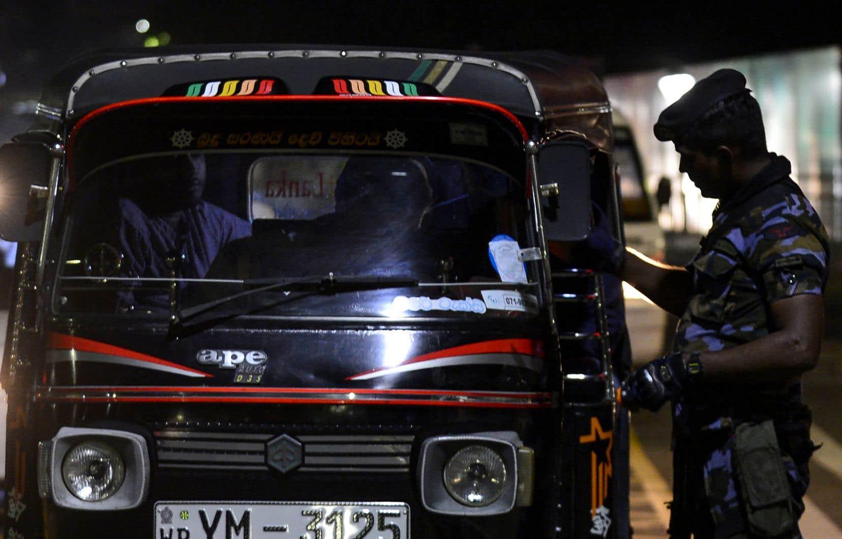 Un couvre-feu a été imposé dans tout le Sri Lanka.