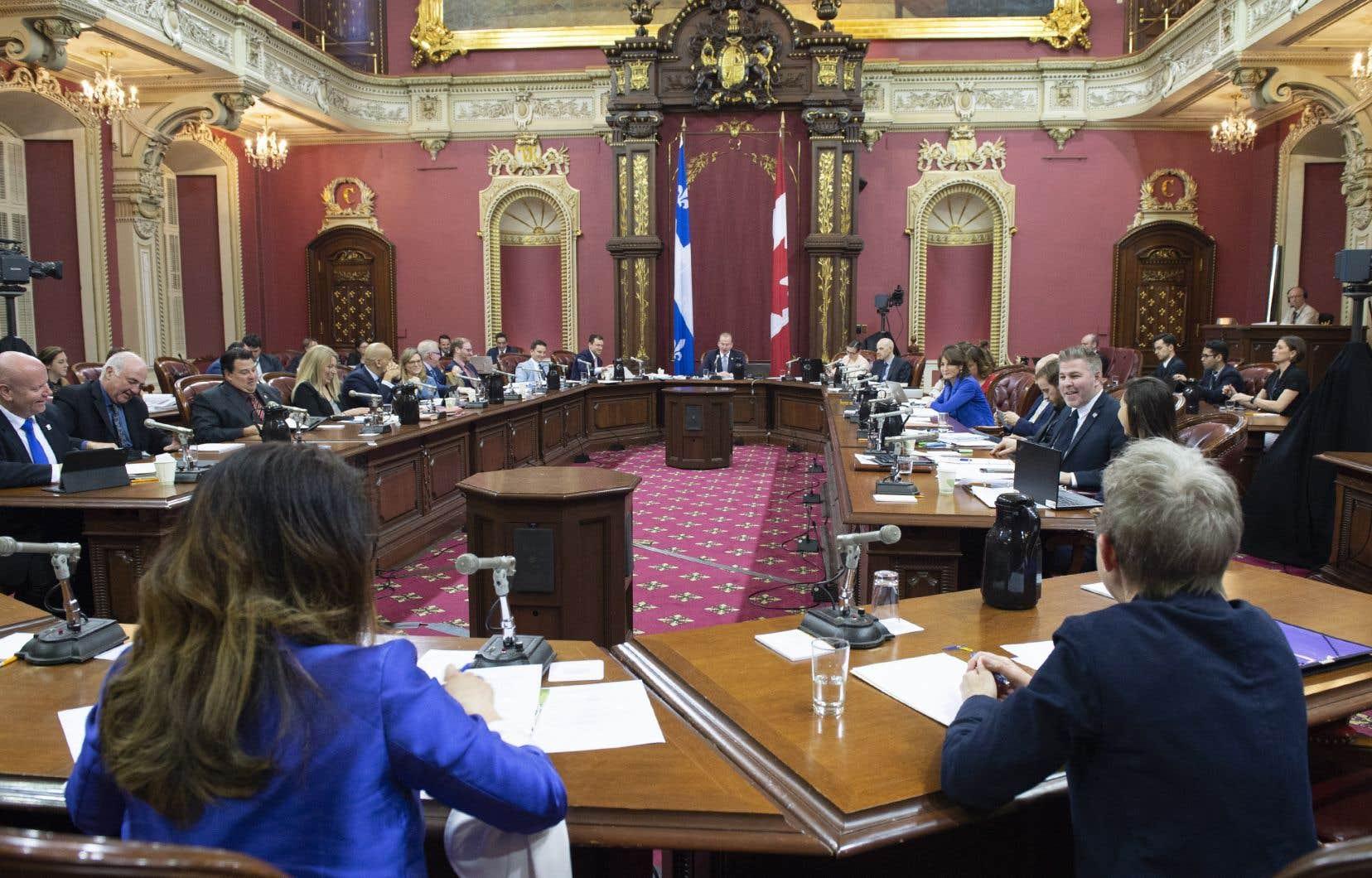 Deux autres témoignages seront entendus lors de la reprise des consultations mardi, soit celui de la mairesse de Montréal, Valérie Plante, et du sociologue Guy Rocher.