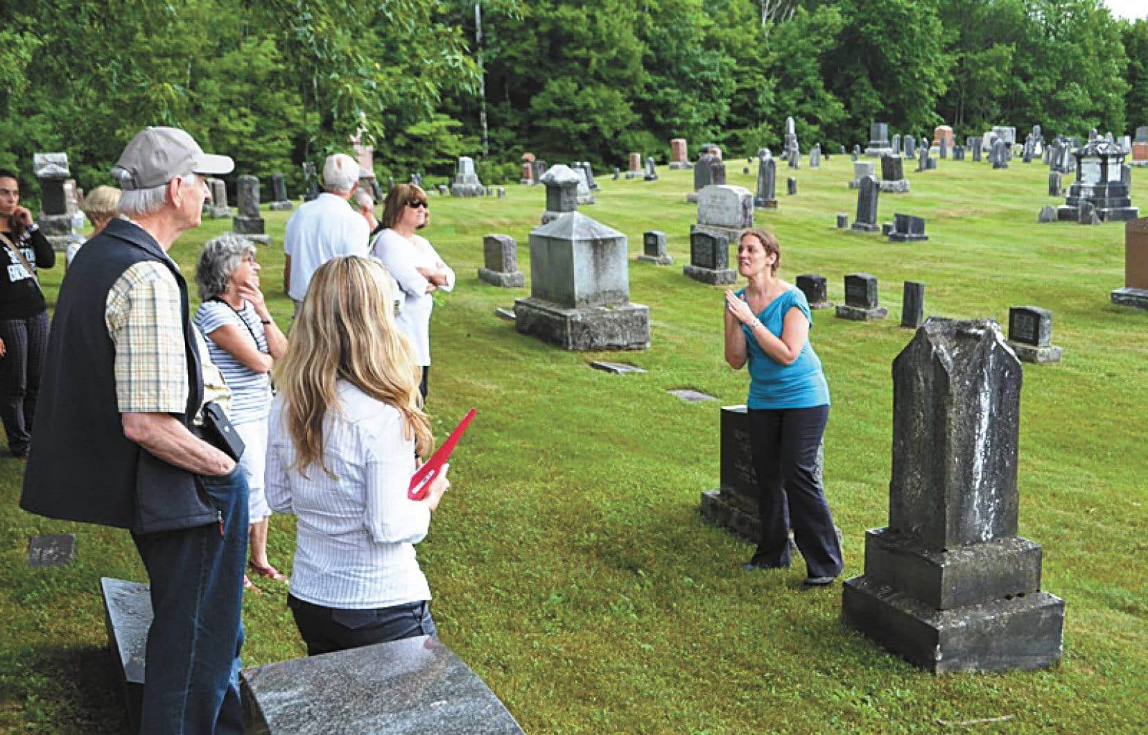 La Société d'histoire Héritage Sutton sonne l'alarme après avoir réalisé un état des lieux des 17 cimetières de la ville.