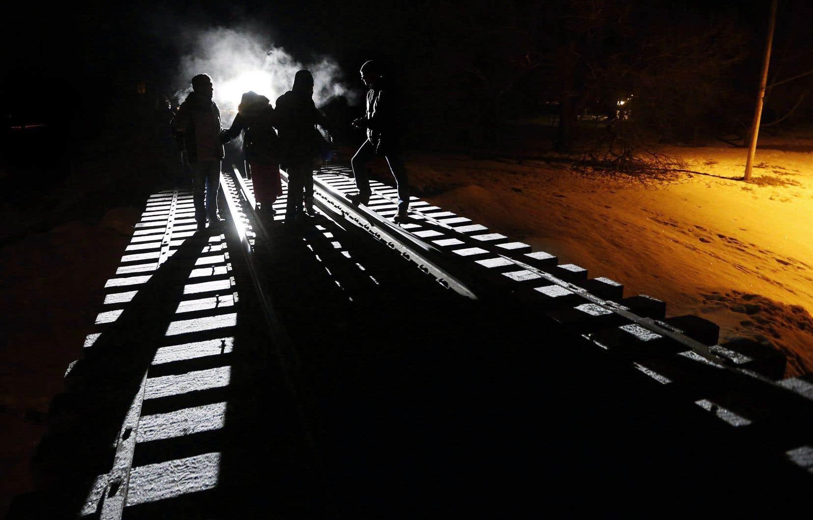 Les agents de la Gendarmerie royale du Canada ont intercepté 3944 demandeurs d'asile au premier tiers de cette année.