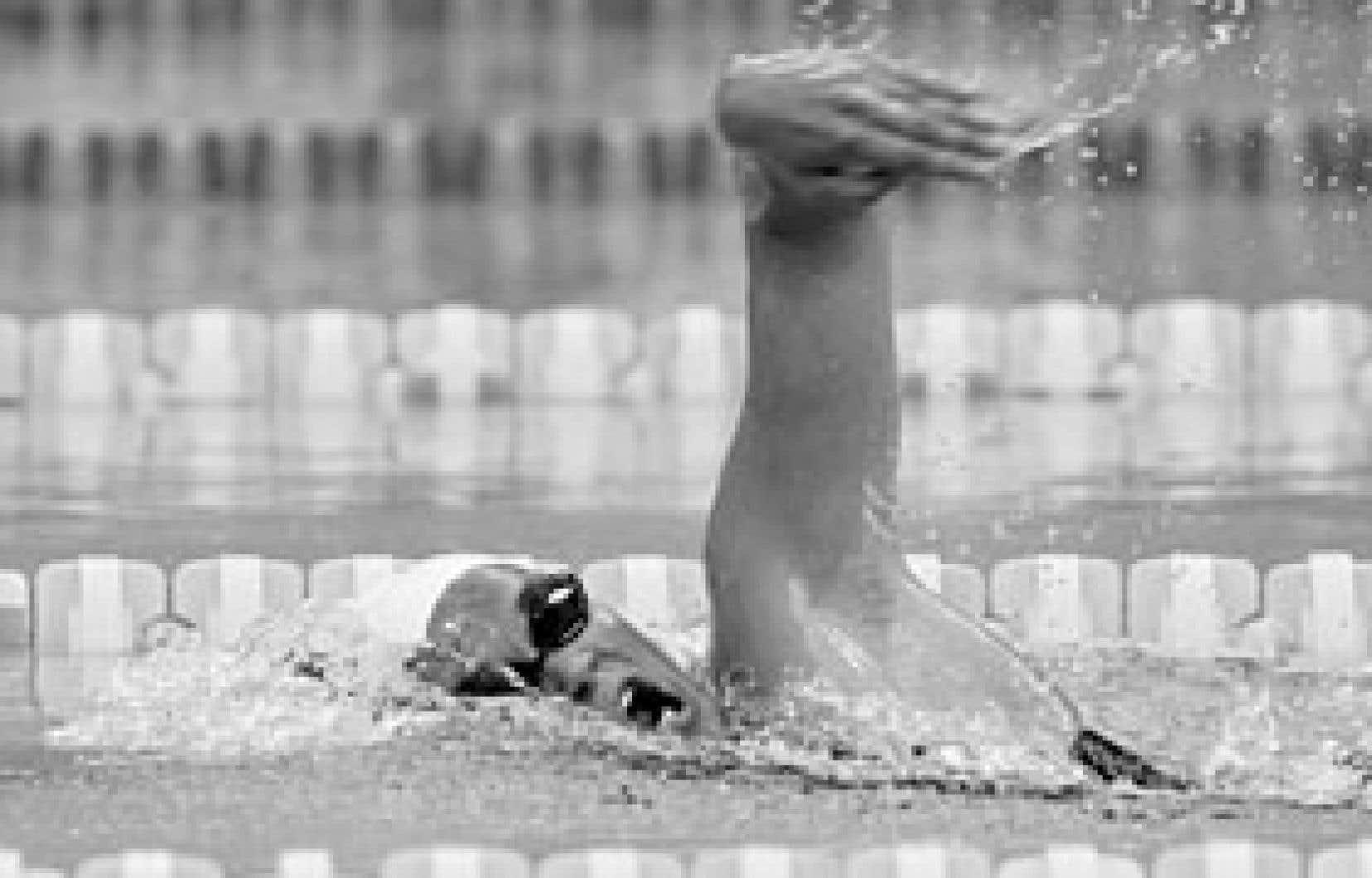 Valérie Grand'Maison a nagé hier en 58,87 secondes pour améliorer sa marque mondiale précédente de 59,57 établie aux Championnats du monde 2006.