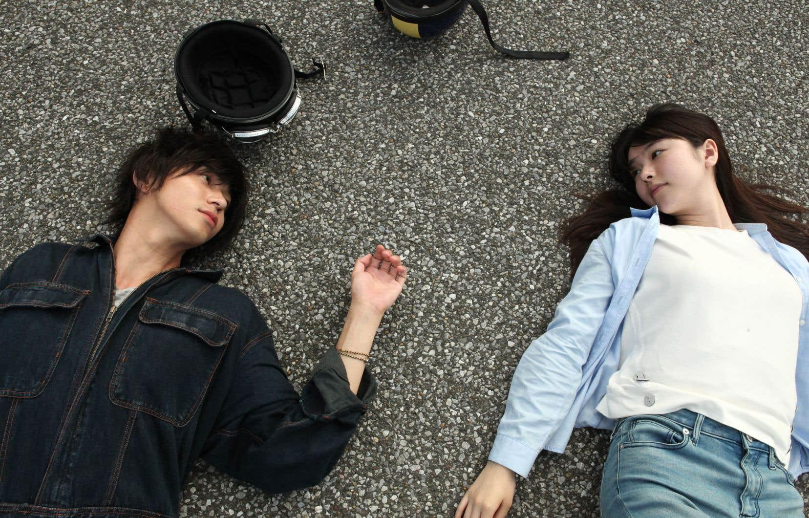 Adapté d'un roman de Tomoka Shibasaki, «Asako I&II» conte le parcours d'une jeune femme d'Osaka, Asako, qui un jour s'éprend de Baku. Leur relation semble prometteuse… mais voilà que le nonchalant Baku se volatilise.