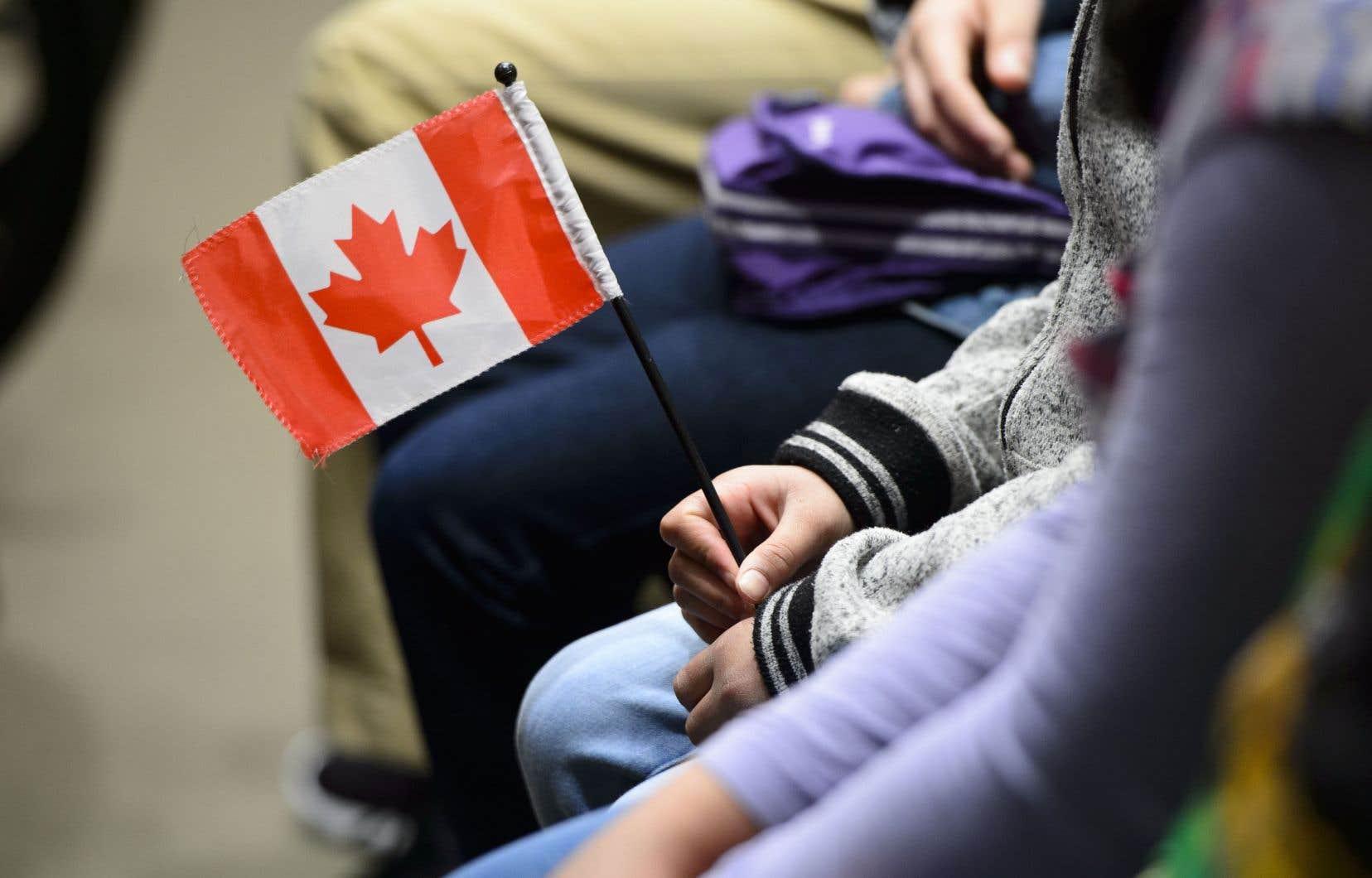<p>Les demandeurs d'asile ont tendance à être plus jeunes que la population générale au Canadaetla plupart sont des hommes.</p>
