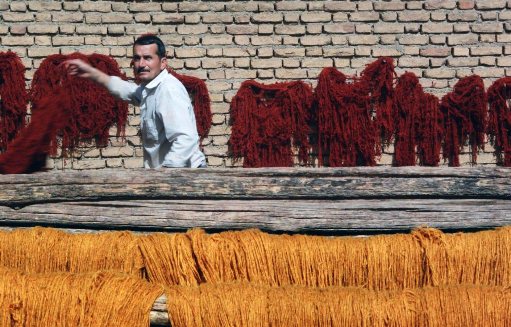 «Zagros» se penche sur le travail de tissage artisanal des Bakhtiaris, une tribu nomade en Irak.