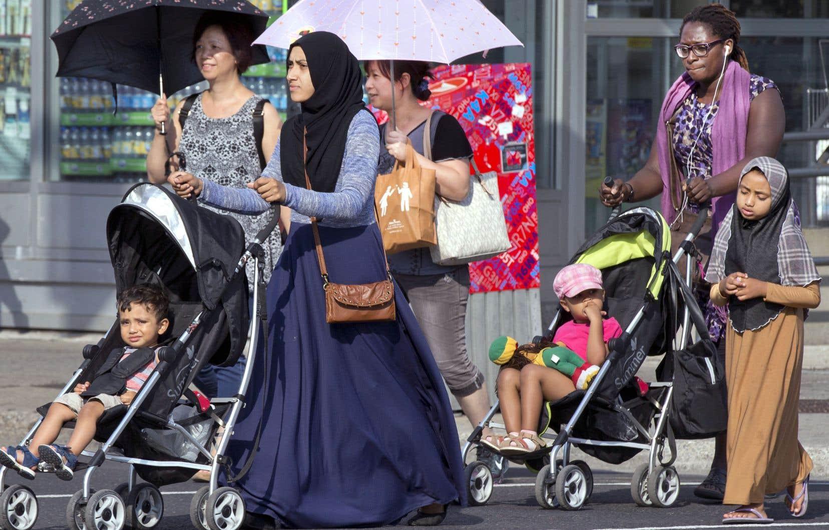 Près de la moitié des répondants ont indiqué croire que leur «mode de vie est menacé par la présence d'immigrants issus de minorités religieuses».