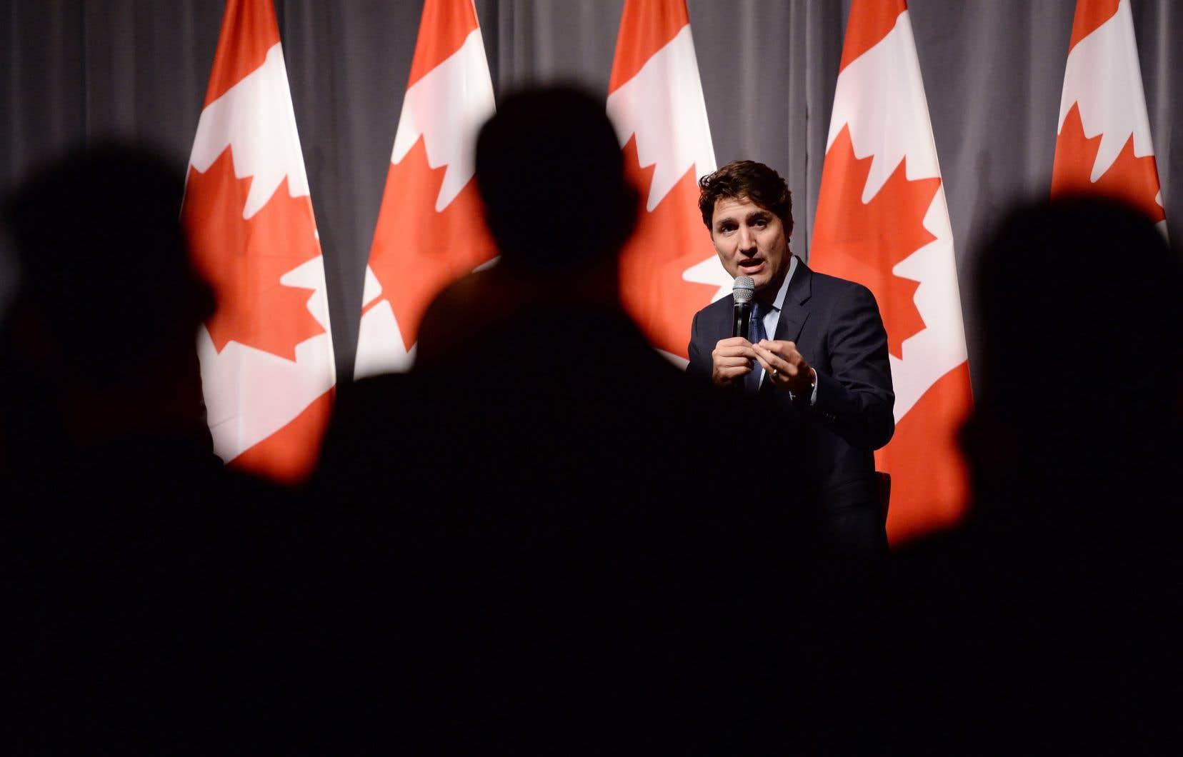 La refonte du système de nominations partisanes par le gouvernement libéral a conduit à l'égalité homme-femme dans les nominations au gouvernement.