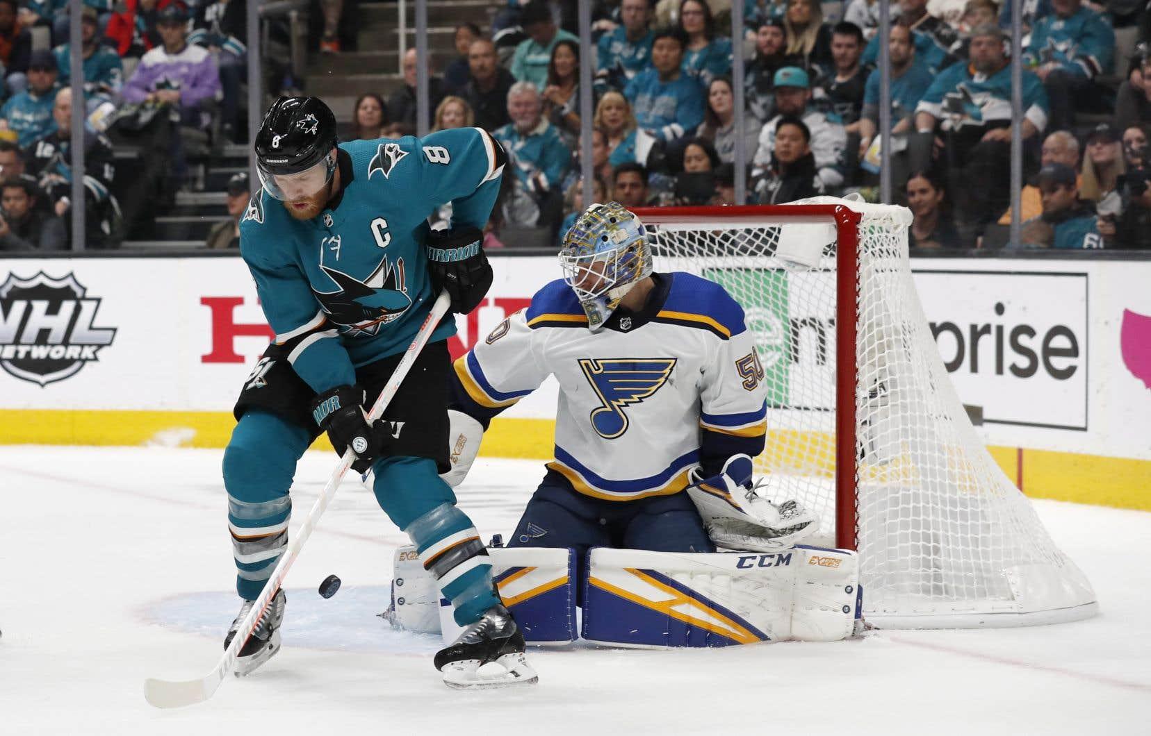 Les Sharks ont quitté la Californie lundi en vue du sixième match de la série finale de l'Association d'Ouest au moment où surgissent des points d'interrogation sur les statuts de plusieurs joueurs.