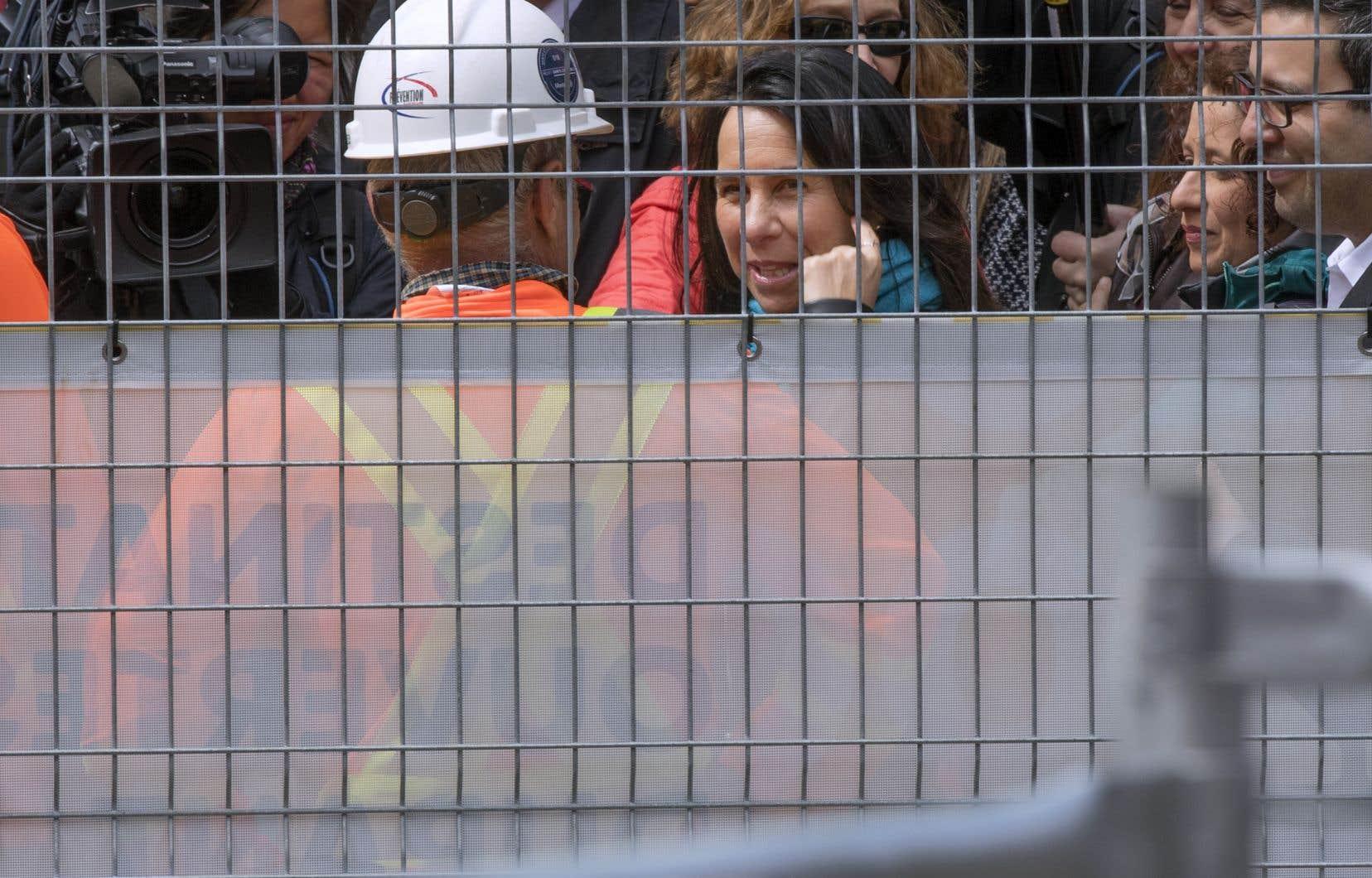 La mairesse, qui a visité le chantier mardi, s'est étonnée des récriminations de certains commerçants.