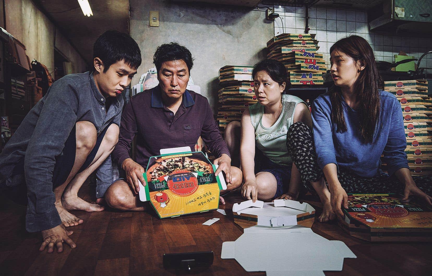 «Parasite» est un vrai bijou, sur fond de fossé entre les classes sociales, symbolisé par deux familles de Séoul.