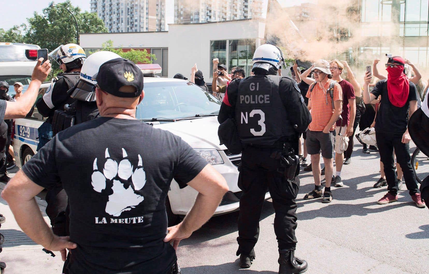 Le groupe La Meute a été créé en octobre 2015 par deux anciens membres des Forces armées canadiennes.