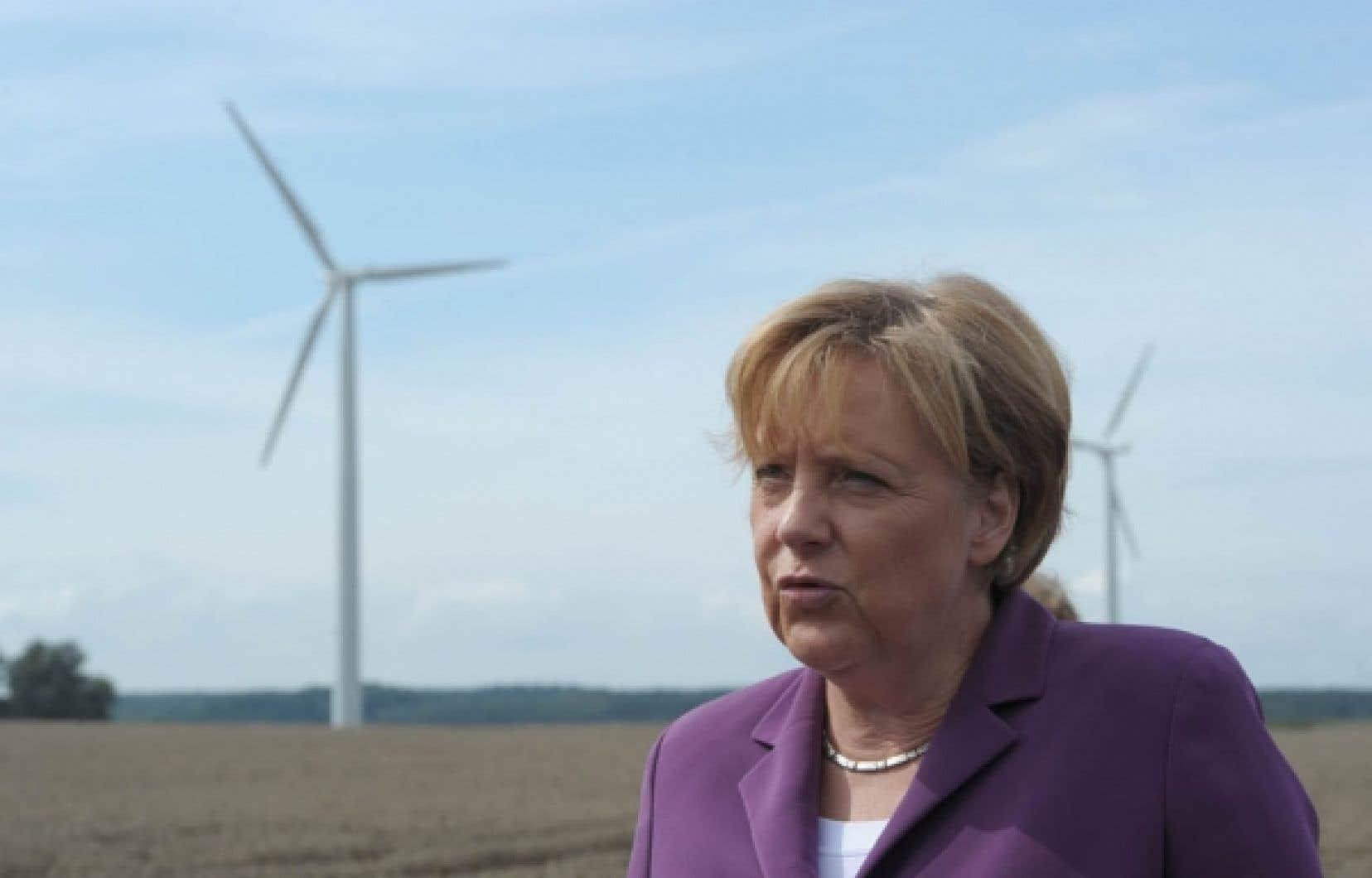 Au pays d'Angela Merkel, tout ne tourne pas toujours rond en matière d'énergie. Encourager le développement des éoliennes est une chose, mais certains tiquent quand la politique énergétique se traduit par des «prix négatifs» dont le coût est assumé par les consommateurs.<br />