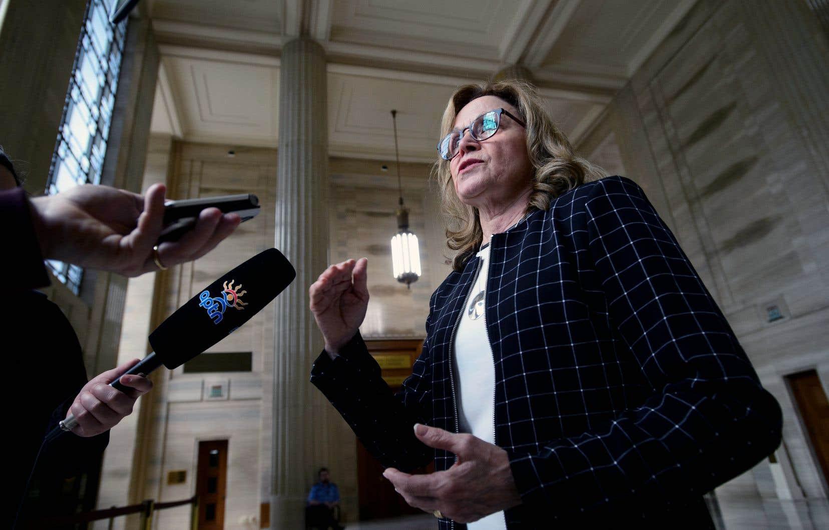 L'avocate Jean Teille, conseillère juridique de l'association Women of The Metis Nation, a rencontré la presse après la décision de la Cour suprême, vendredi, à Ottawa.