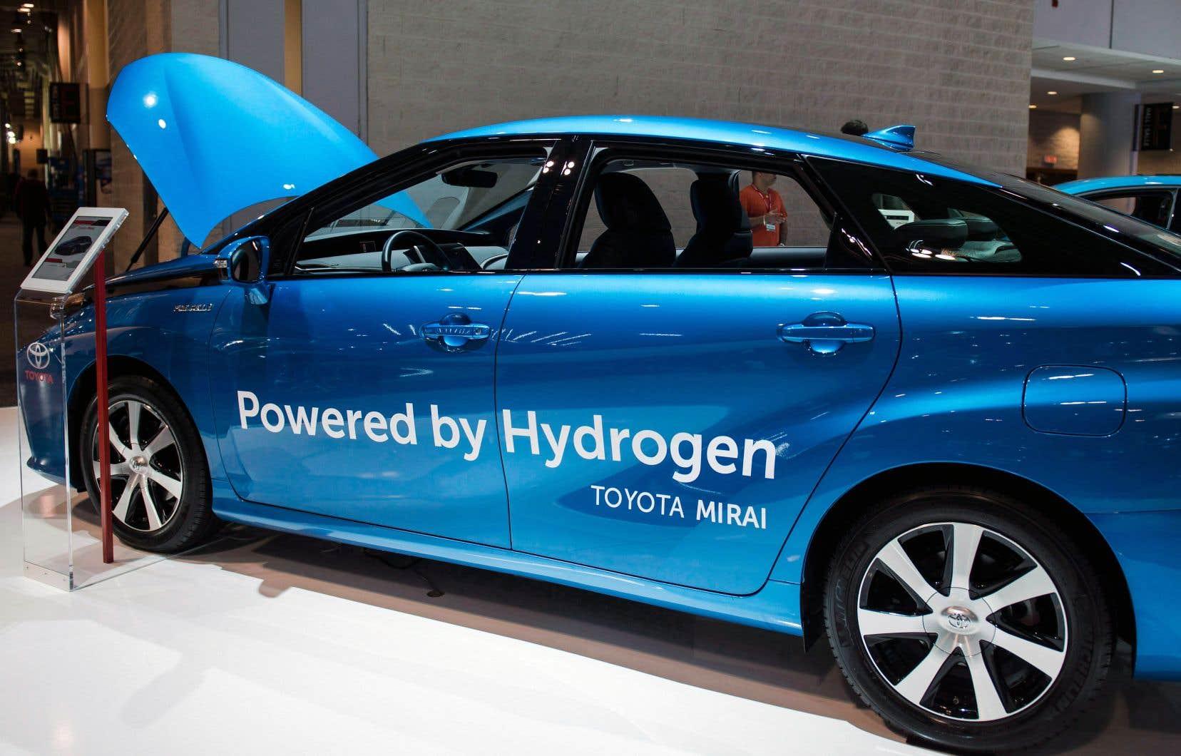 L'hydrogène est un carburant utilisé dans l'industrie où la chimie et la métallurgie figurent parmi les grands consommateurs. Mais il est aussi utilisé comme source d'énergie dans le transport, un chapitre plus récent avec le développement des piles à combustible.