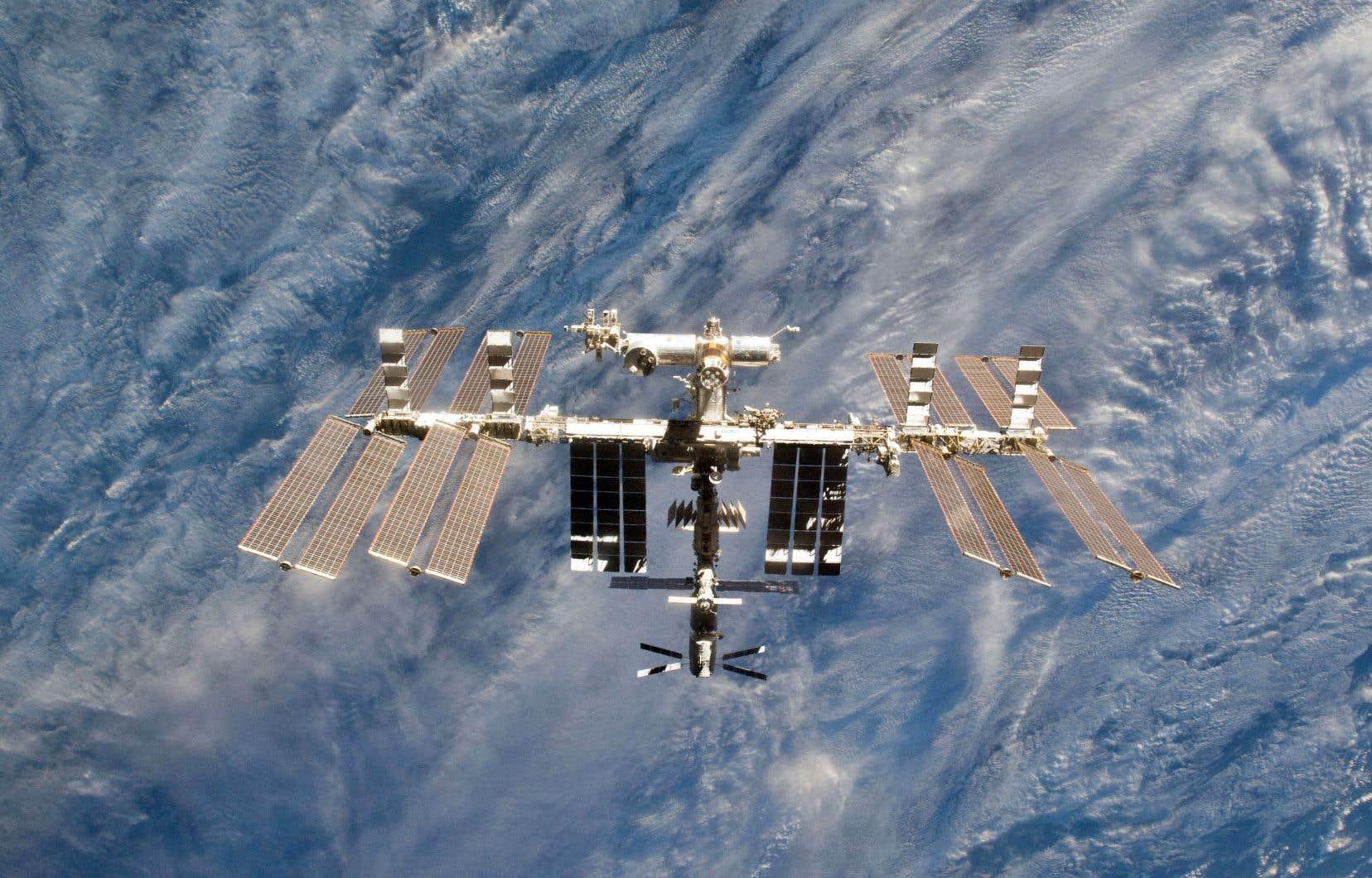 Vue rapprochée de la Station spatiale internationale, en 2011