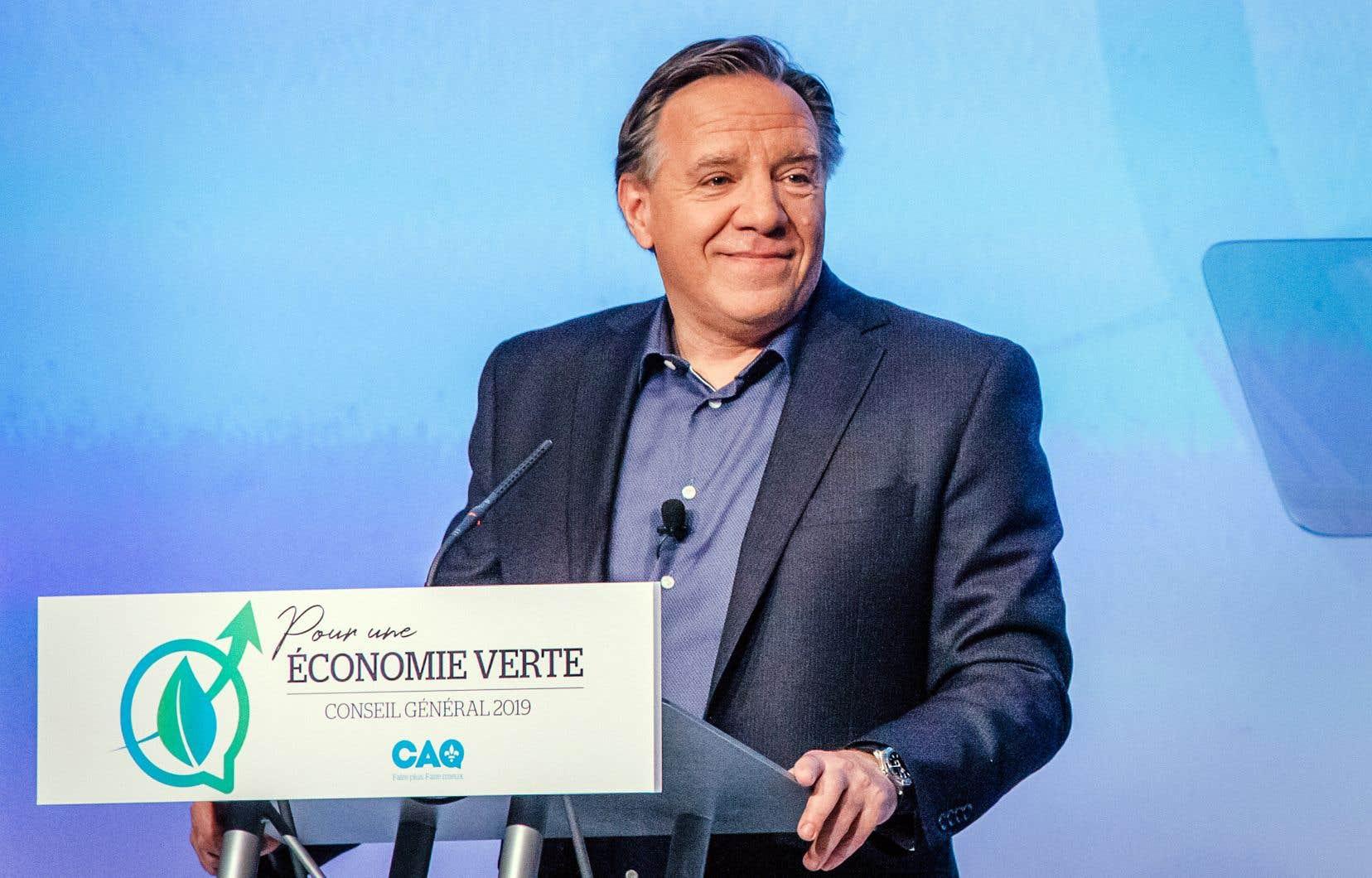 Le premier ministre François Legault souhaite diminuer de 40% la consommation de pétrole au Québec d'ici 2030.