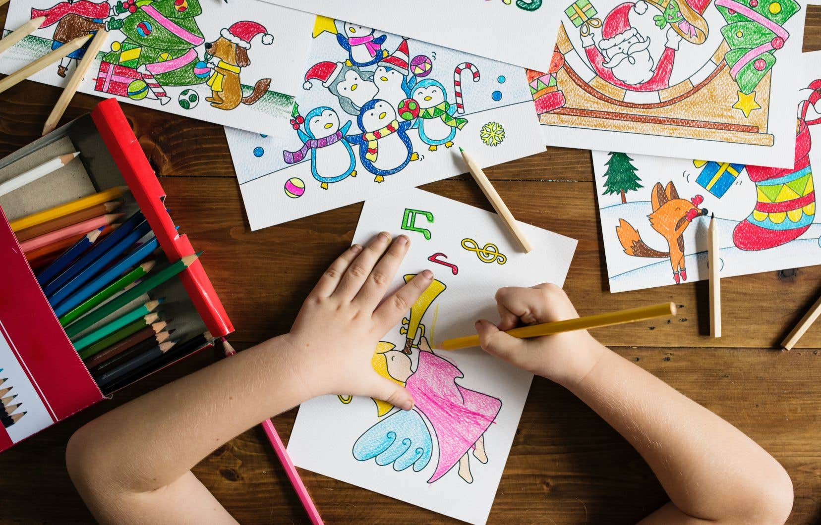 À l'heure actuelle, seulement 27% des enfants en âge d'aller à la garderie ont une place en CPE et 42000 sont sur la liste d'attente.