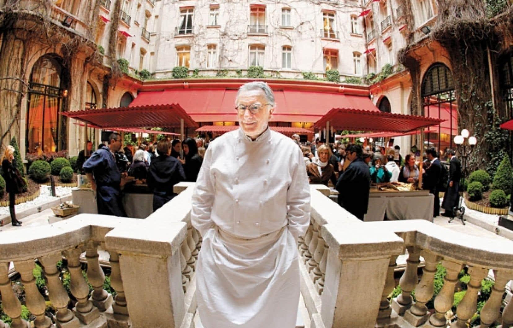 Au c&oelig;ur d&rsquo;une multinationale prosp&egrave;re, le chef&nbsp; Alain Ducasse est consid&eacute;r&eacute; par le magazine am&eacute;ricain Forbes comme l&rsquo;une des 100 personnalit&eacute;s les plus influentes dans le monde. <br />