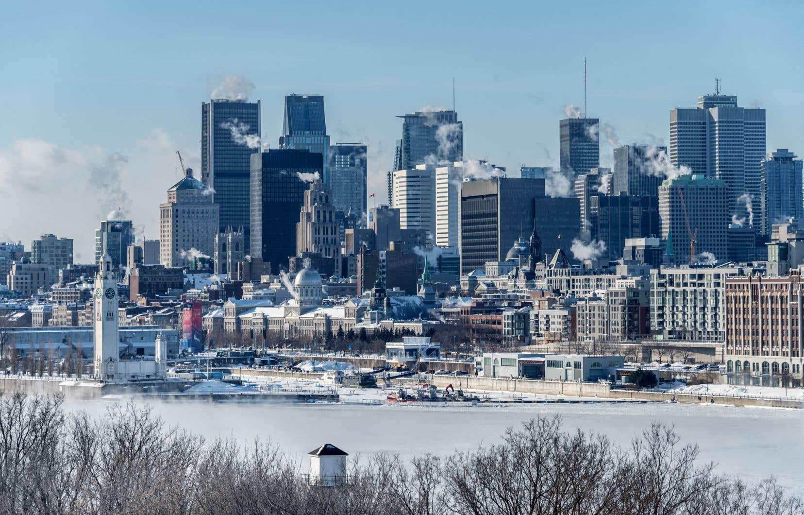 Le Québec veut électrifier les domiciles non seulementsur son territoire, mais aussi en Ontario et aux États-Unis, faisant craindre une exportation exponentielle pour alimenter une surconsommation électrique au prix de la construction d'autres mégabarrages, déplore l'auteur.