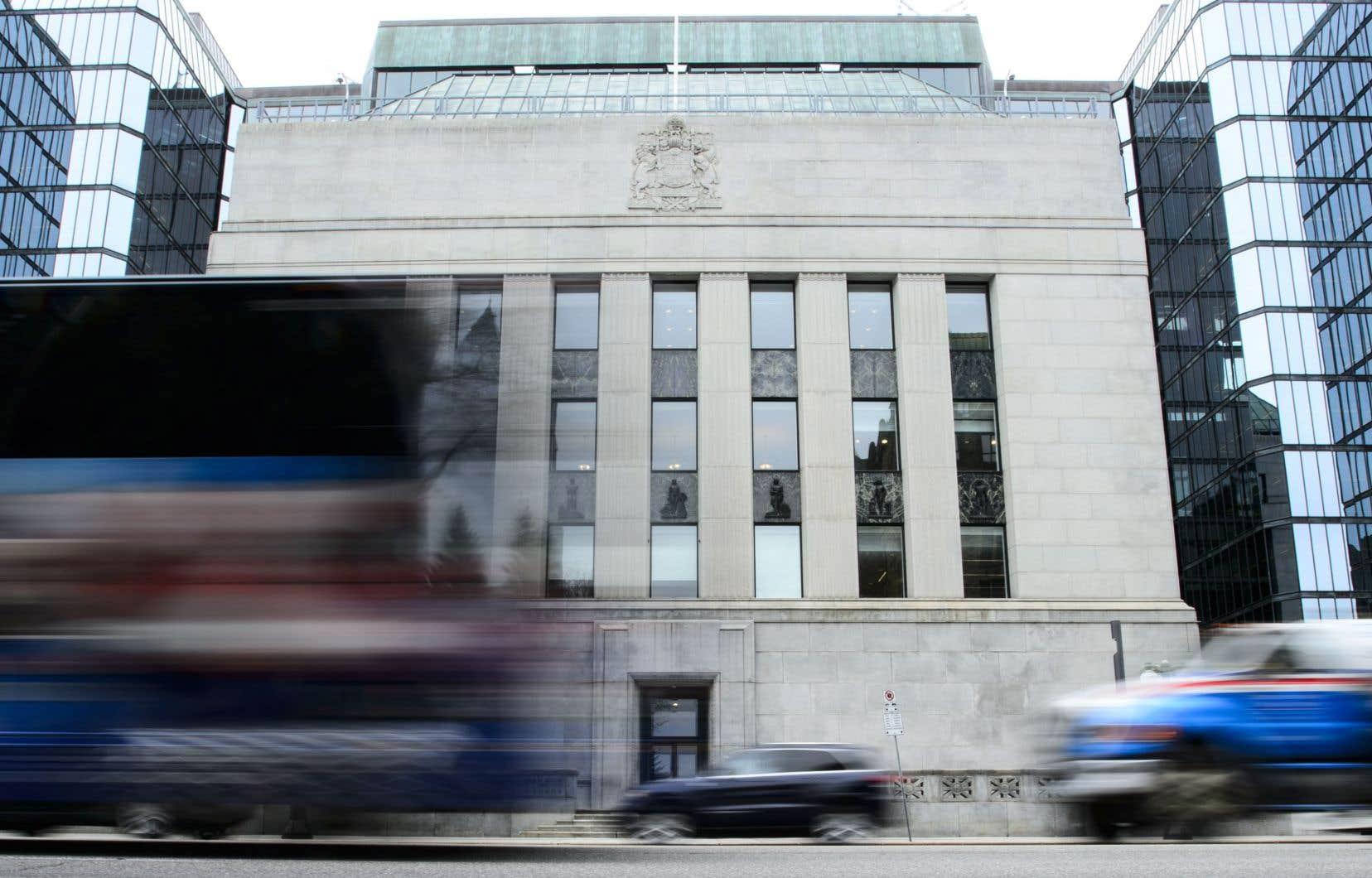Plusieurs économistes s'attendent à ce que la Banque laisse le taux directeur inchangé au moins jusqu'à tard dans l'année.