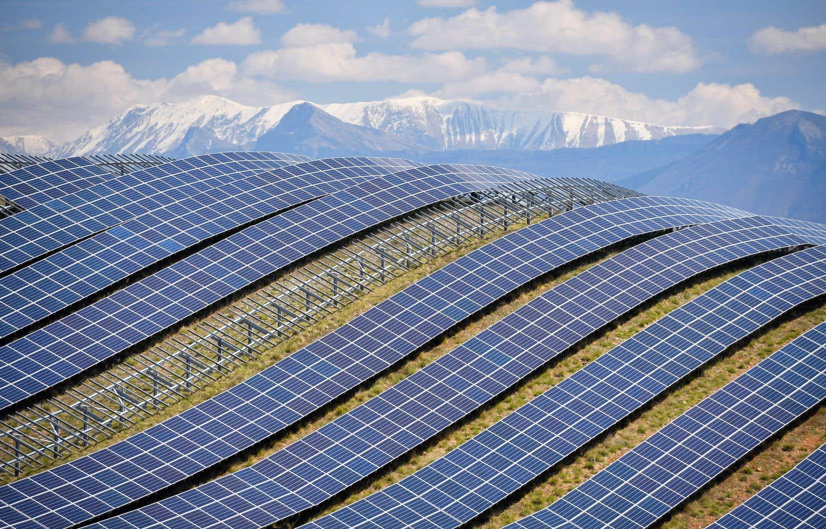 Les énergies éolienne terrestre et solaire photovoltaïque pourraient bientôt offrir une électricité moins chère que toute autre option basée sur les combustibles fossiles.