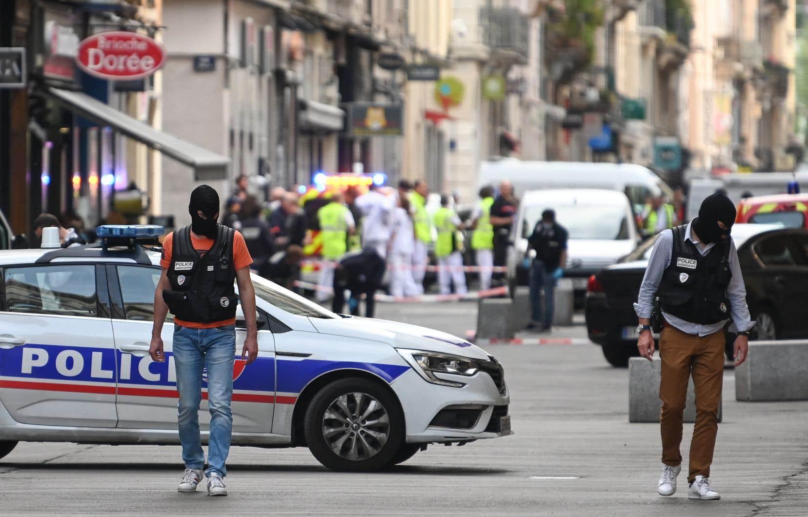 L'explosion d'un colis piégé, la semaine dernière à Lyon, a fait 13 blessés légers.<br />