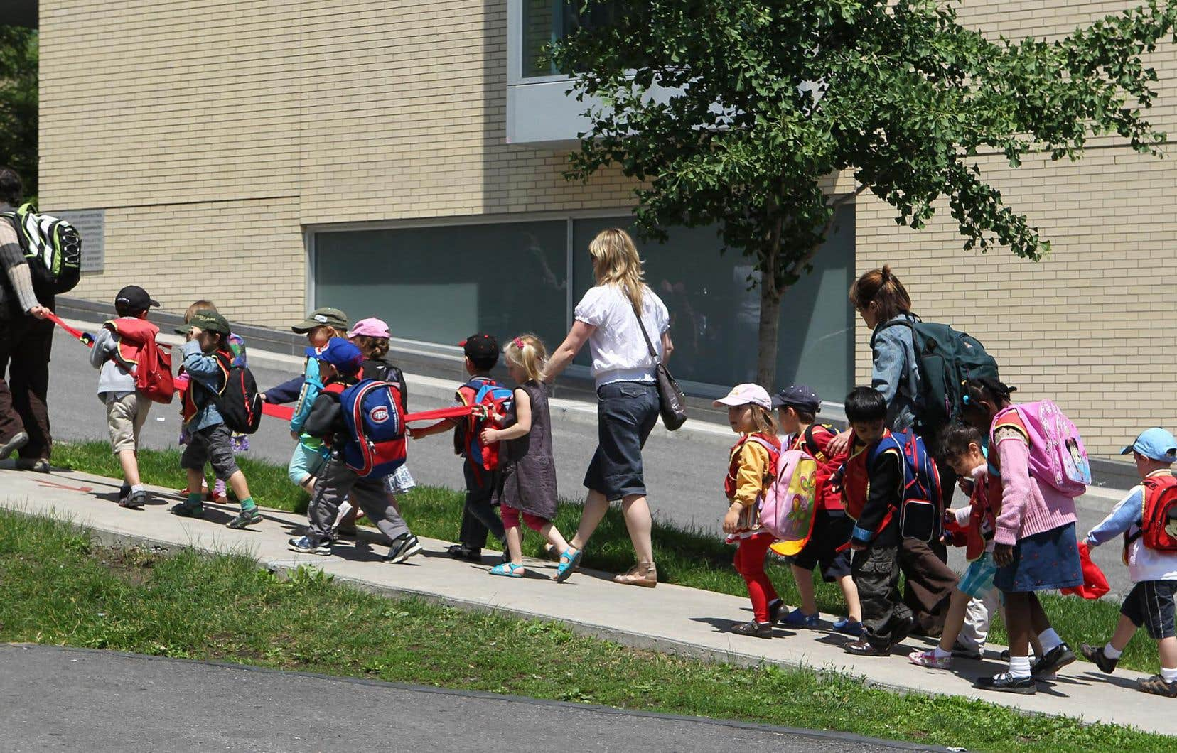 Les services aux enfants varient beaucoup d'une école à l'autre, d'une commission scolaire à l'autre.