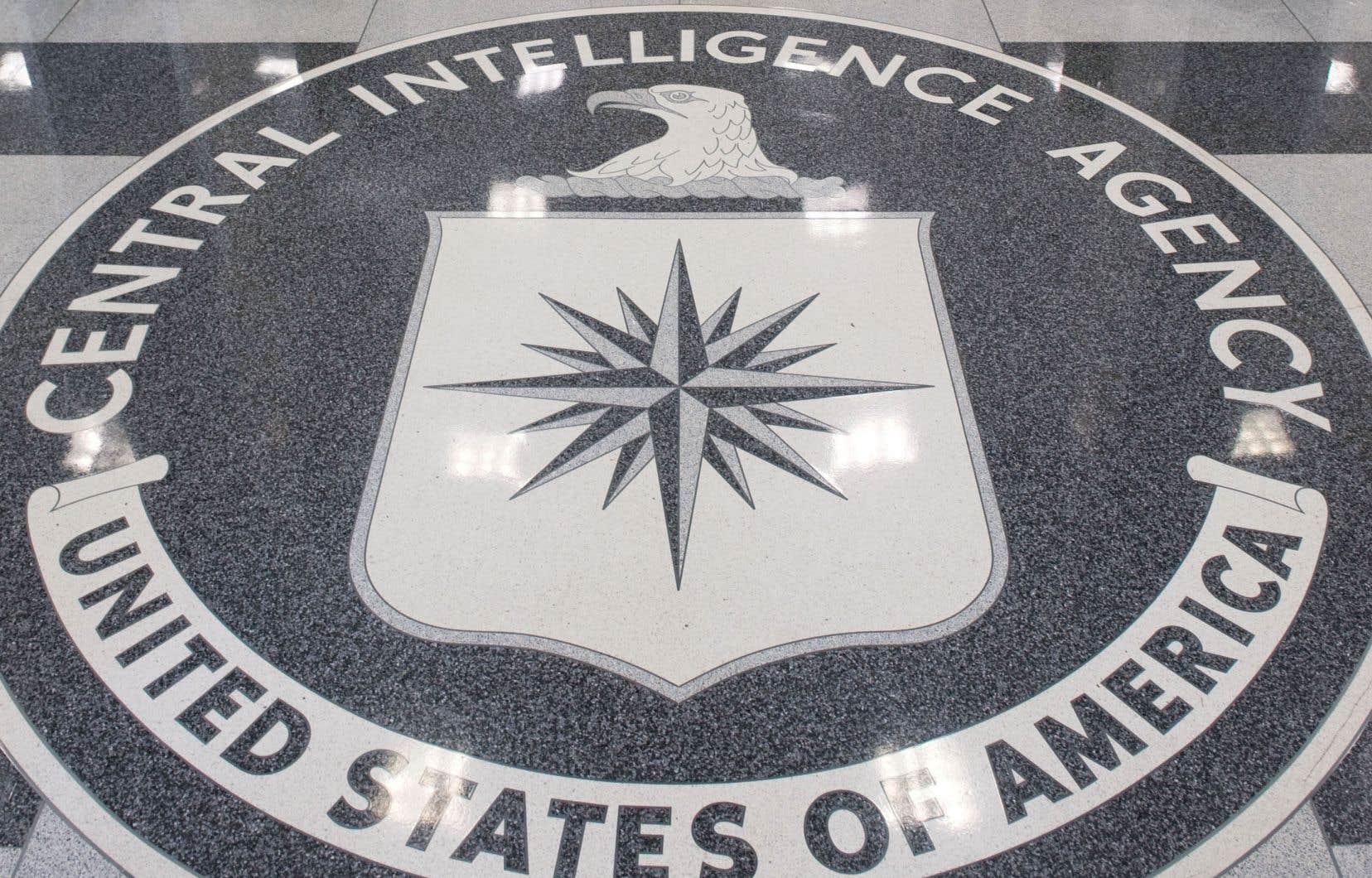 La Central Intelligence Agency fut créée en 1947. Elle occupe une centaine d'hectares dans les bois de Langley en Virginie.