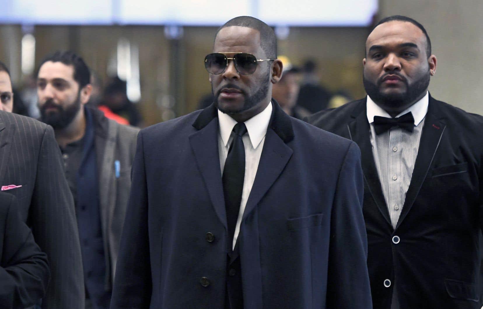 Le chanteur R. Kelly, lors de son passage au palais de justice de Chicago