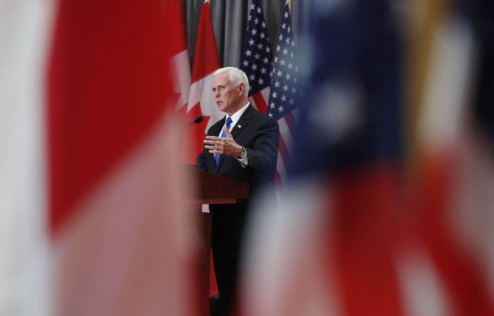 Lors d'une conférence de presse avec le premier ministre Justin Trudeau, Mike Pence a indiqué que Donald Trump était «absolument déterminé» à faire ratifier «cet été» l'ACEUM.