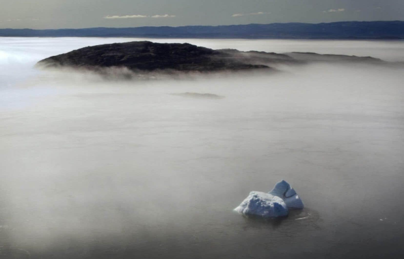 Aucune des îles de la côte ouest, du haut de la pointe de l'Ungava jusqu'au fond de la baie James, n'appartient au Québec: elles font toutes partie intégrante du territoire du Nunavut.<br />