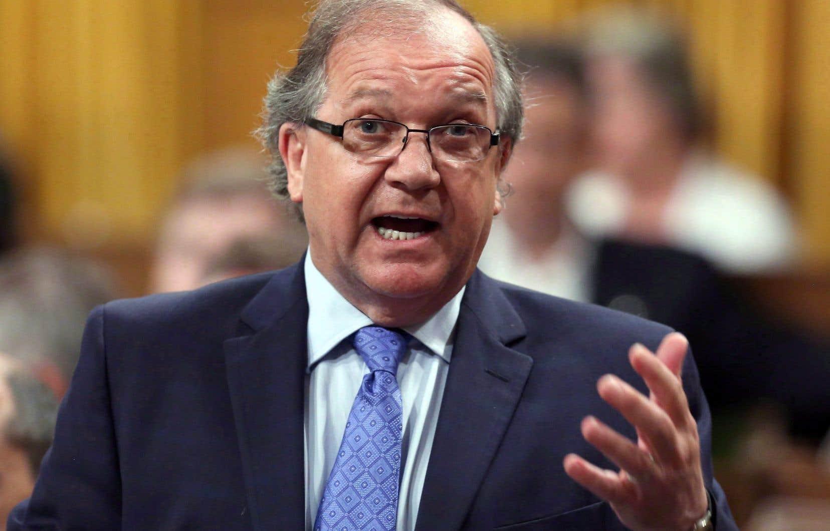Bernard Valcourt aété député conservateur de 2011 à 2015, le mandat au cours duquel il a été ministre des Affaires autochtones et du développement du Nord canadien.