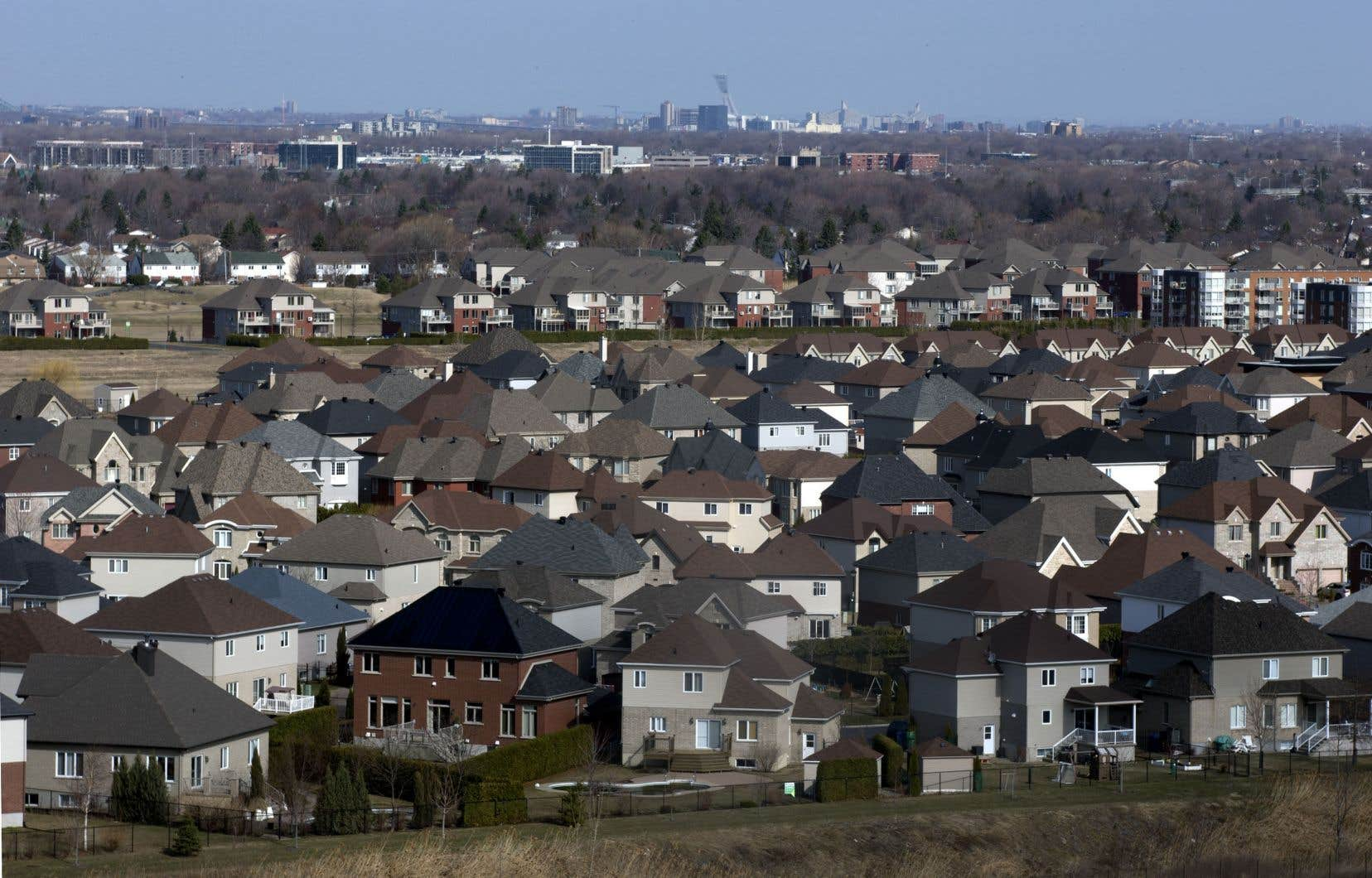 Sur la Rive-Sud et à Laval, les paiements hypothécaires diminuent d'environ 485$ par rapport à Montréal. Ci-dessus, vue sur Brossard.
