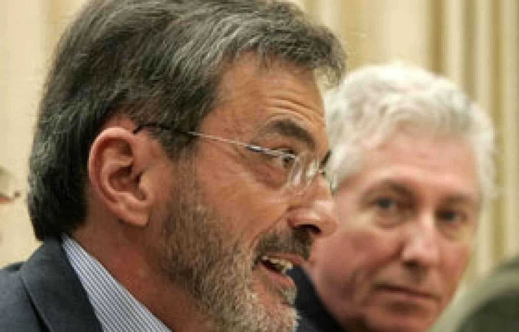 L'ex-député de Repentigny aux Communes, Raymond Gravel, en compagnie du chef du Bloc québécois, Gilles Duceppe