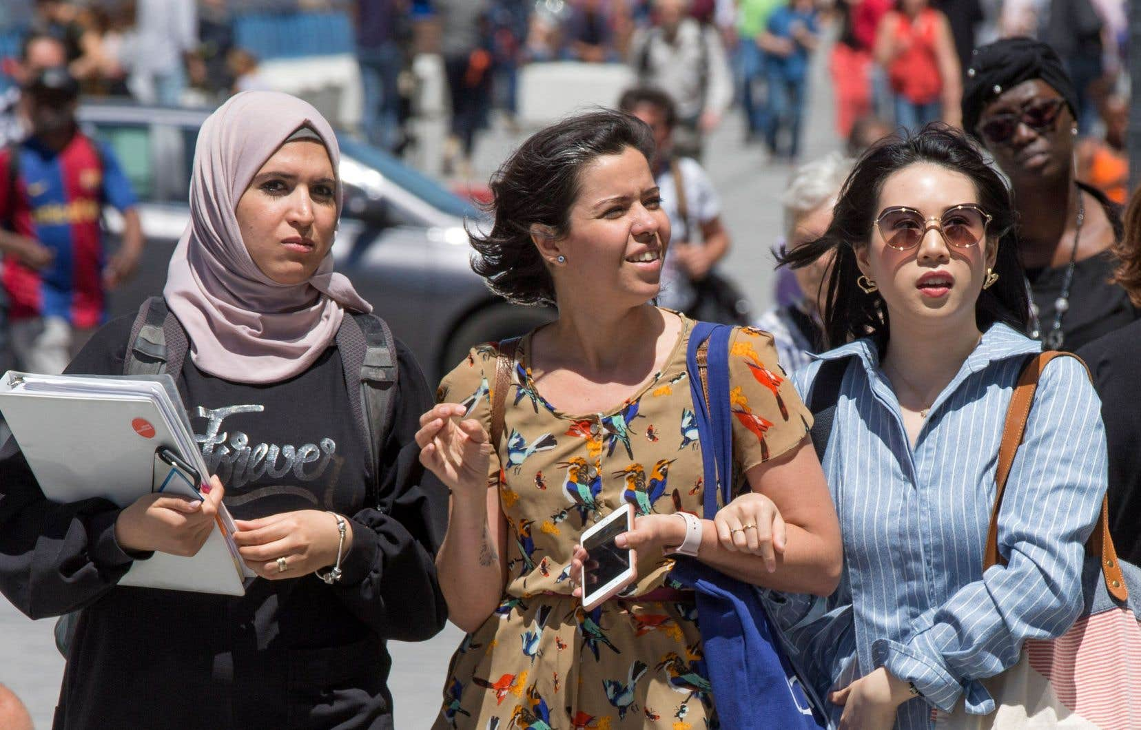 Le gouvernement caquiste compte faire passer l'immigration économique — travailleurs qualifiés et gens d'affaires — de 59% en 2020 à 65% en 2022.