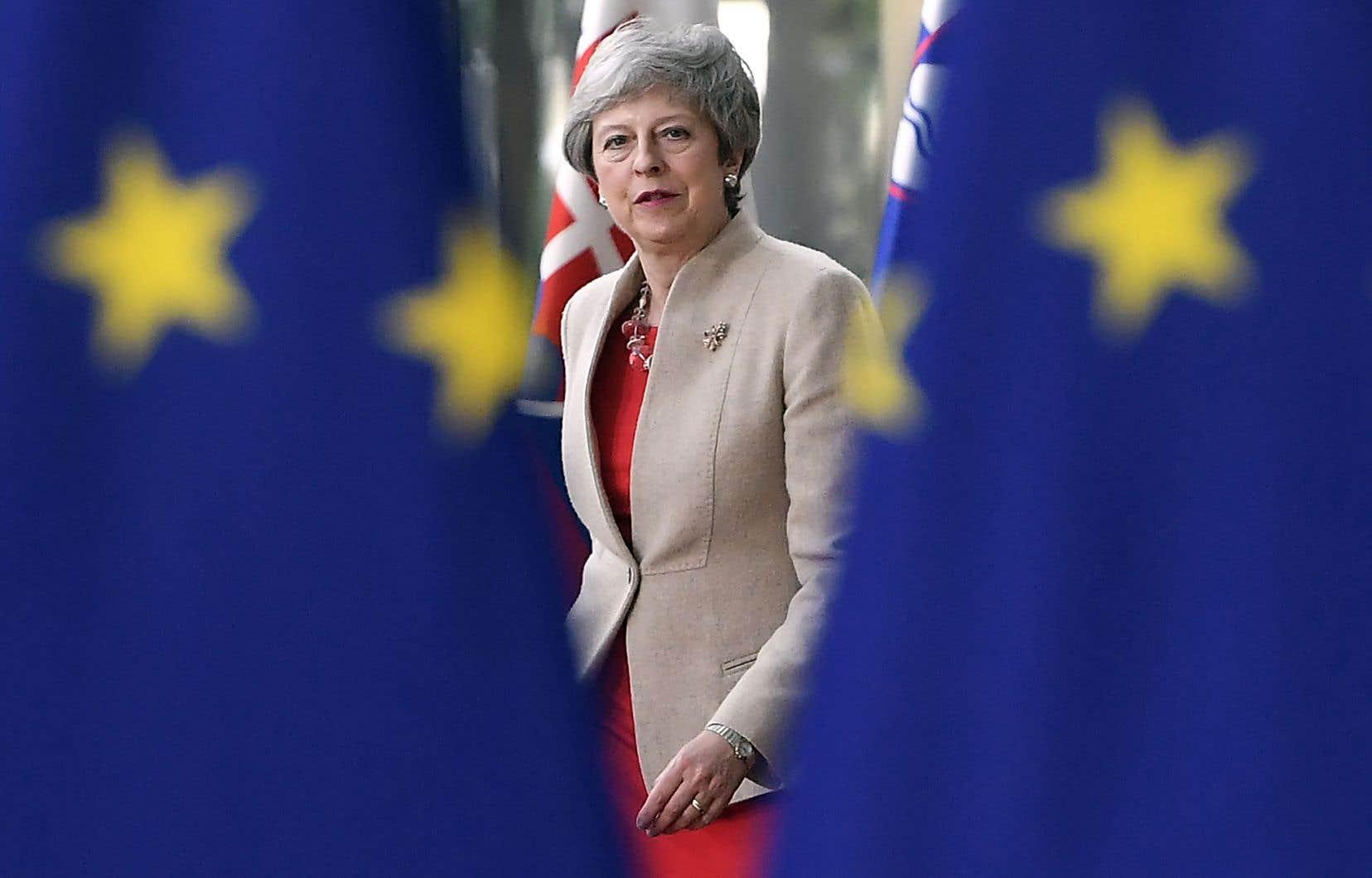 La première ministre Theresa May restera dans ses fonctions jusqu'à la désignation de son successeur par les conservateurs, d'ici à la fin de juillet.