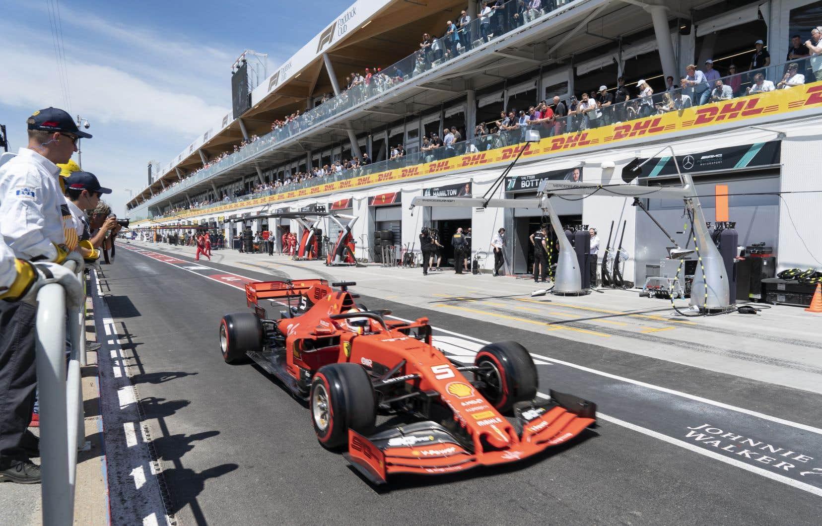 Sebastian Vettela collé 2 dixièmes de seconde à son plus proche poursuivant, avec un temps d'une minute 10,24 secondes.