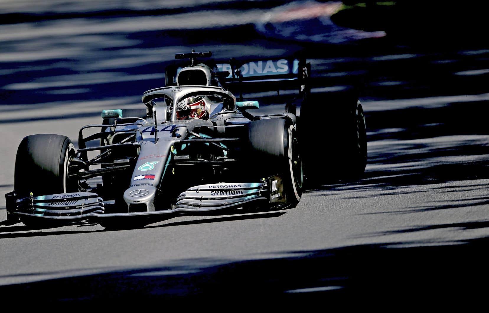 Le pilote de Mercedes Lewis Hamilton n'est jamais parvenu durant la course à dépasser son rival.