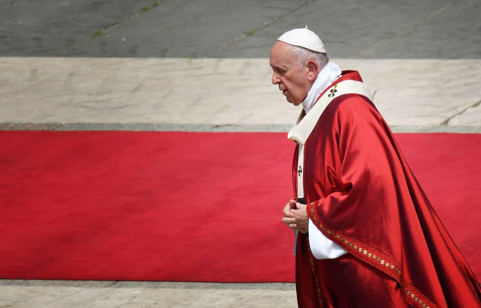 Le pape a multiplié ces dernières semaines ses interventions en faveur des plus démunis, notamment étrangers, vivant avec difficulté dans la Ville éternelle.