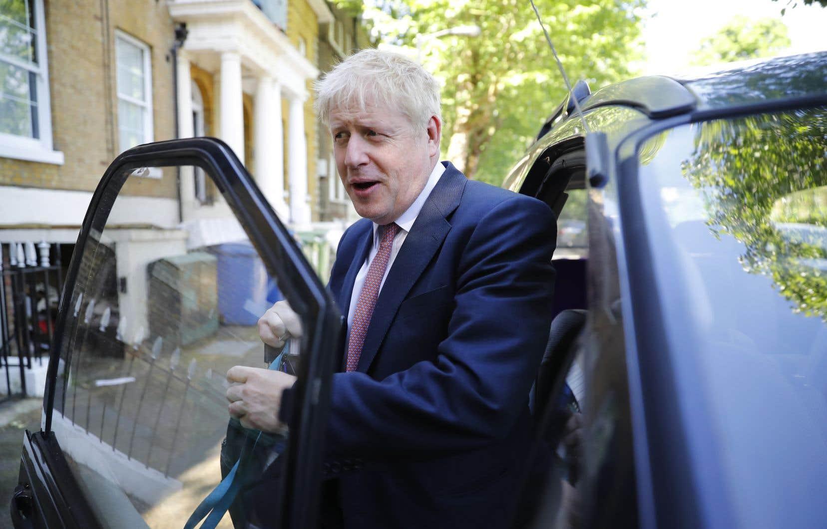 Favori pour le poste de chef du Parti conservateur, Boris Johnson a menacé de ne pas payer la facture du Brexit si l'Union européenne n'acceptait pas de meilleures conditions de sortie pour son pays.
