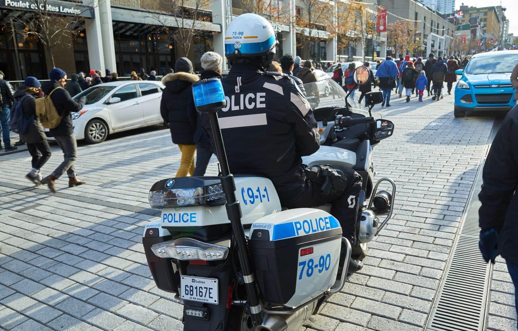 Le BEI ne fait pas de distinction entre le statut de «policier témoin» et celui de «policier impliqué», le policier ne peut donc recourir à l'assistance d'un avocat ou bénéficier du droit au silence.