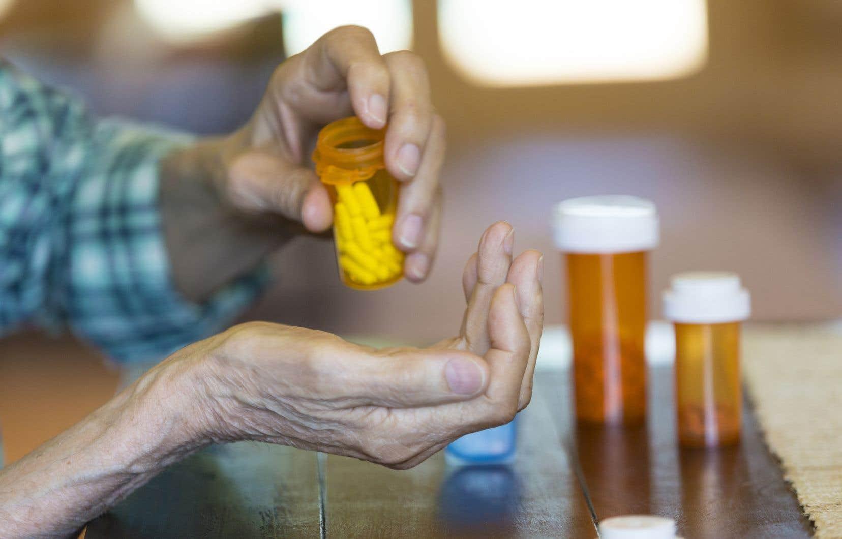 Le Conseil propose que d'ici 2022 une liste «initiale» de médicaments couverts soit dressée.