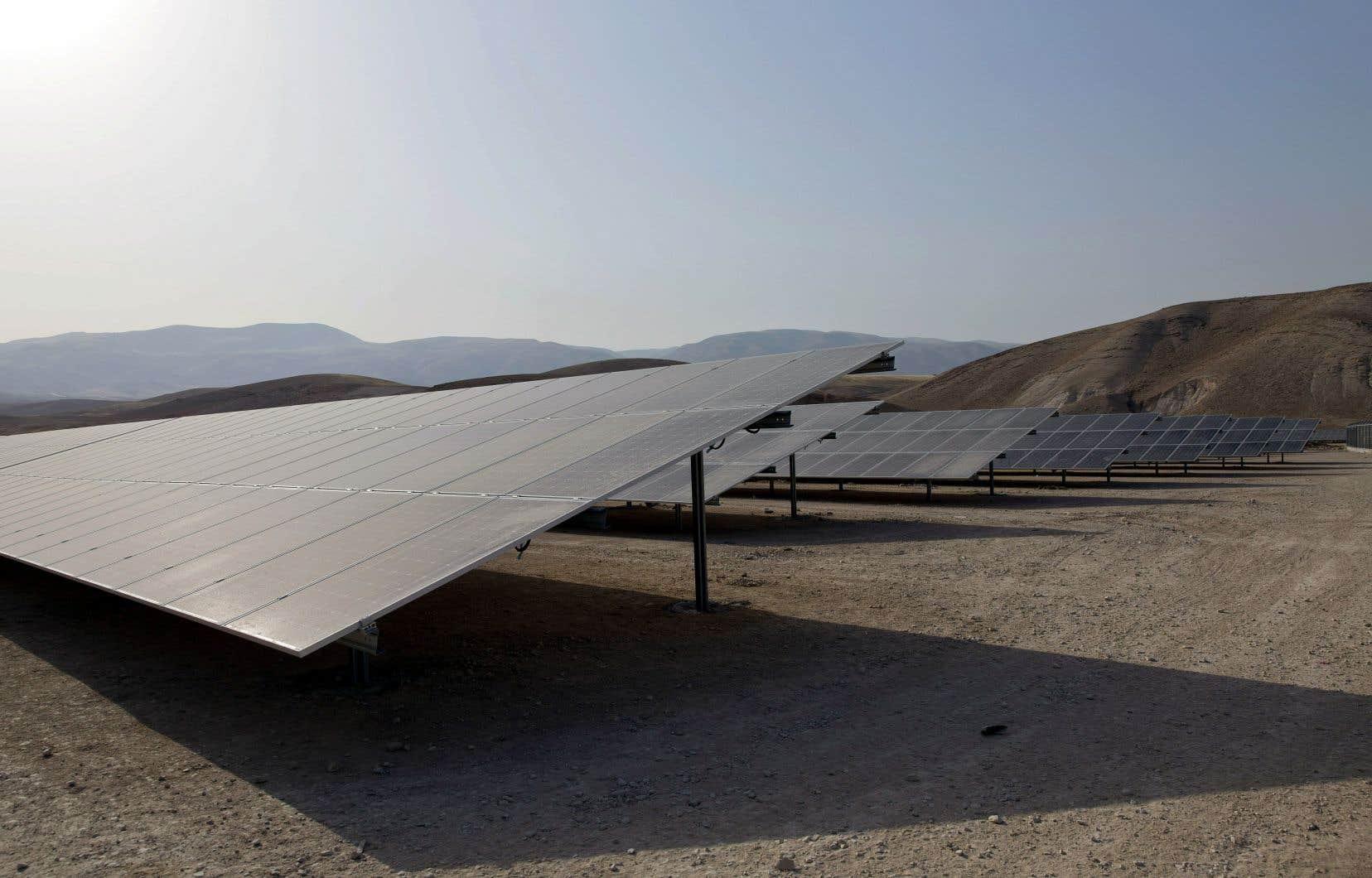Les Émirats arabes unis visent à produire la moitié de leur énergie avec des sources renouvelables d'ici 30 ans.