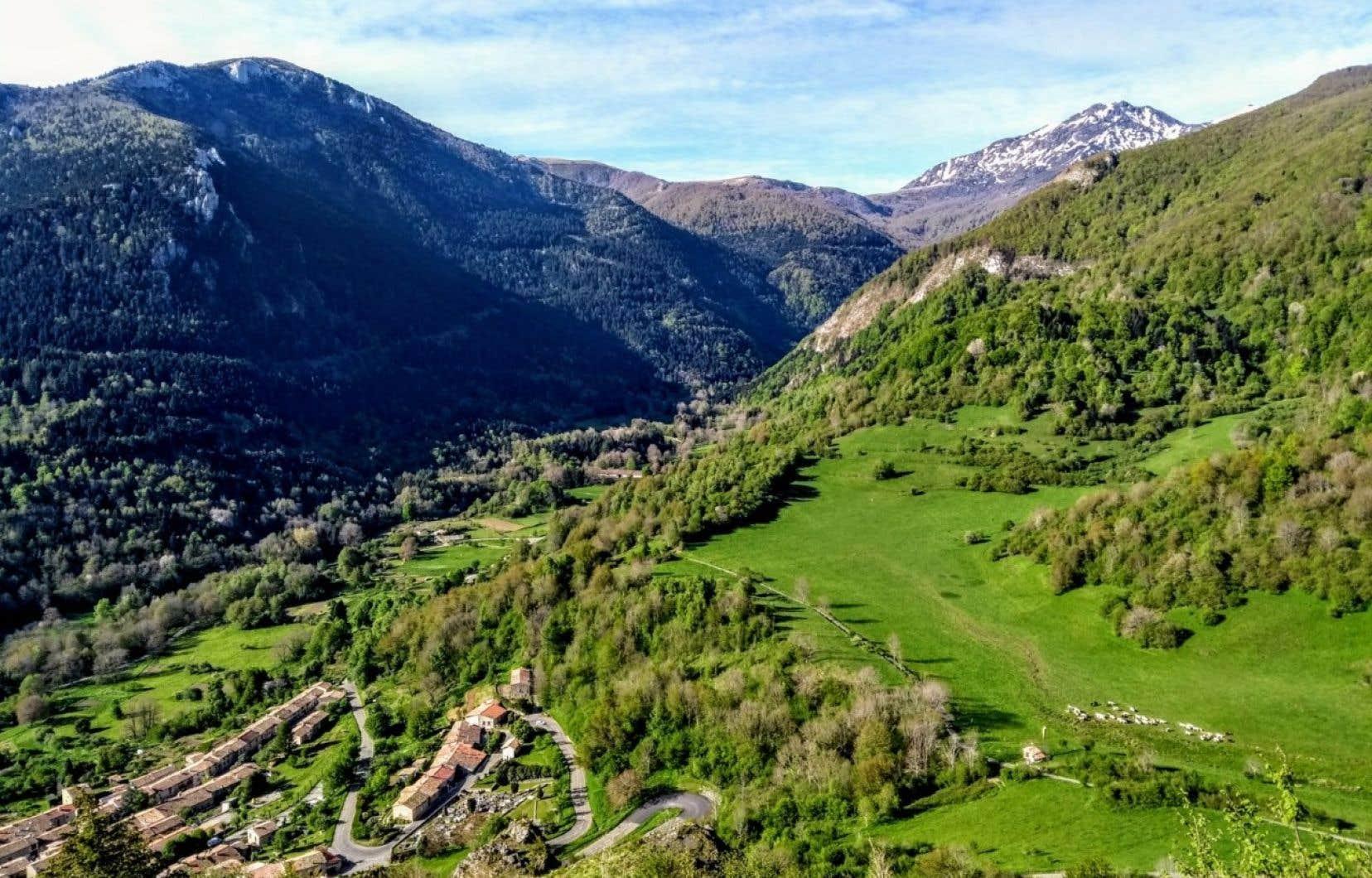Homologué en 2014 par la Fédération française de randonnée pédestre, le GR 367 se fait en 12 étapes d'une vingtaine de kilomètres chacune.
