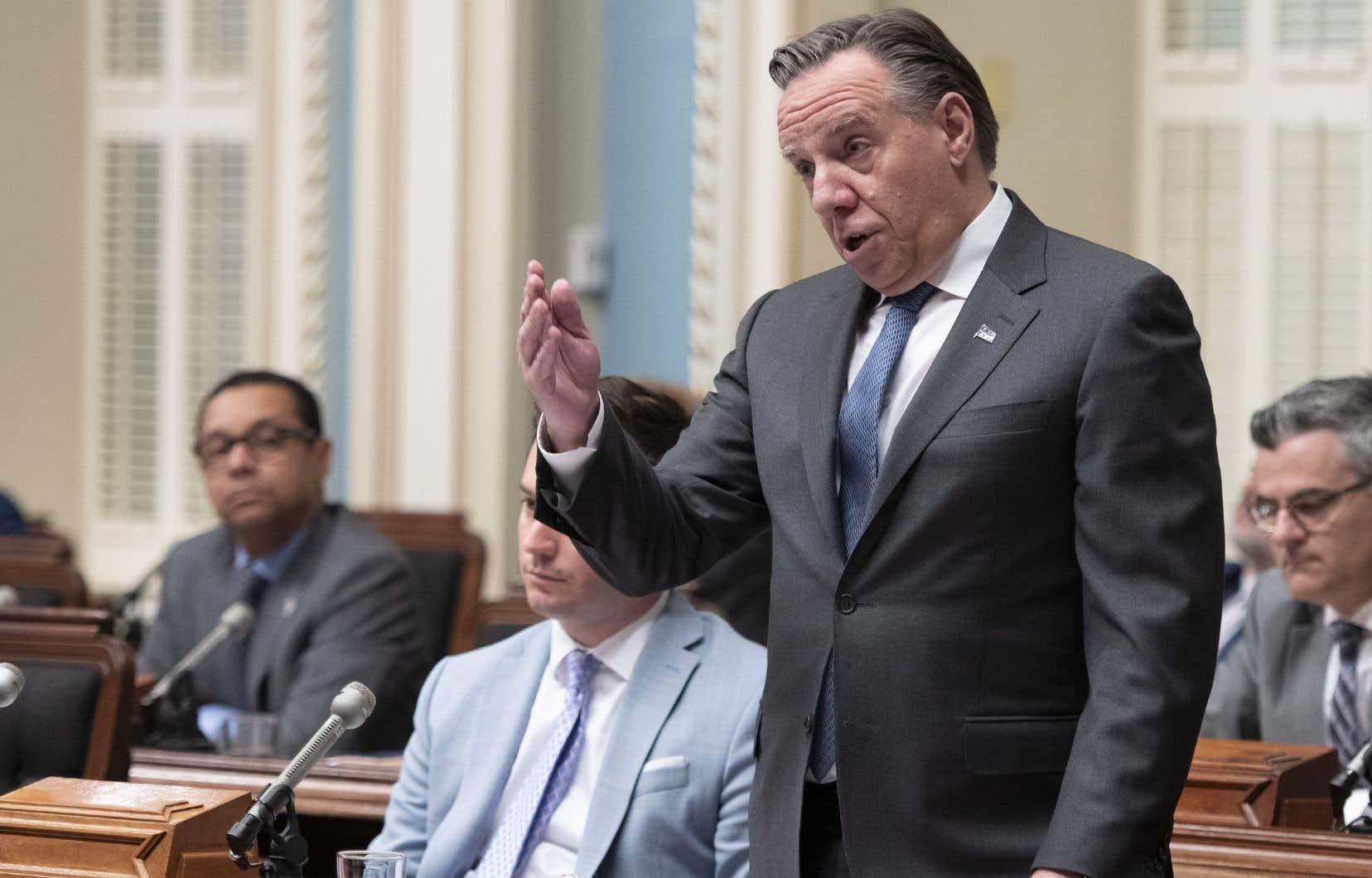 <p>«Plus un gouvernement veut faire de changements, plus il va être appelé à faire adopter sous bâillon un projet de loi», a soulignéFrançois Legault.</p>