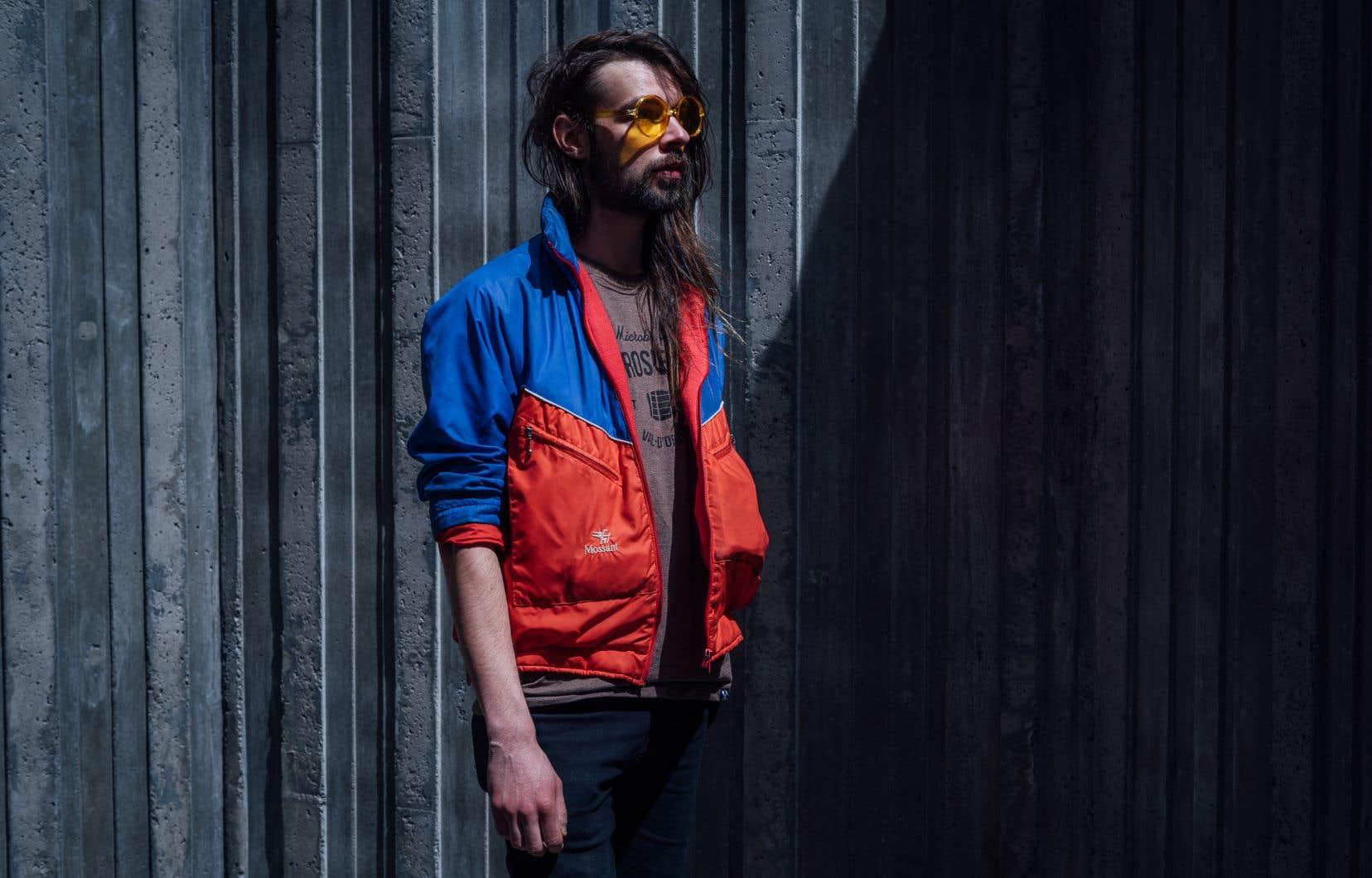 Grand slaque à la voix grave et aux airs grunge, Dave Chose possède une plume terre à terre qui révèle un homme à fleur de peau.