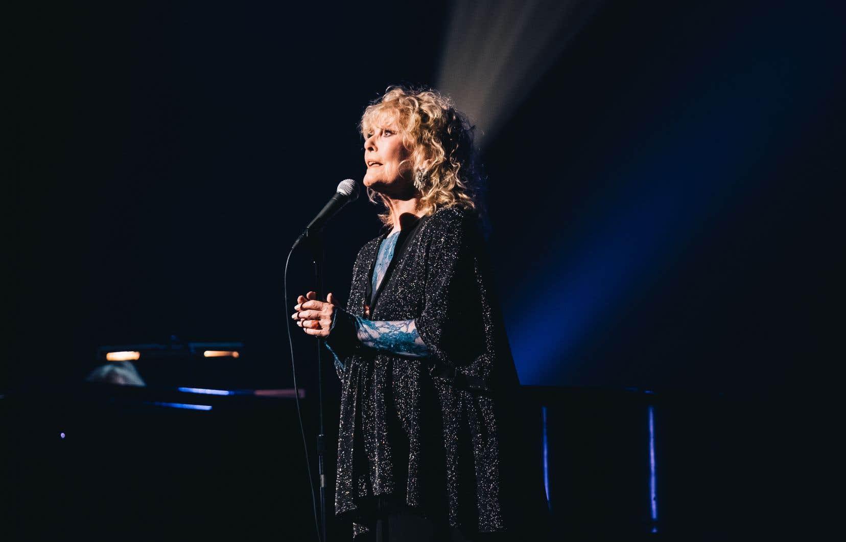 Le nouveau répertoire québécois de Petula Clark ne manque ni de tonus ni de beauté.