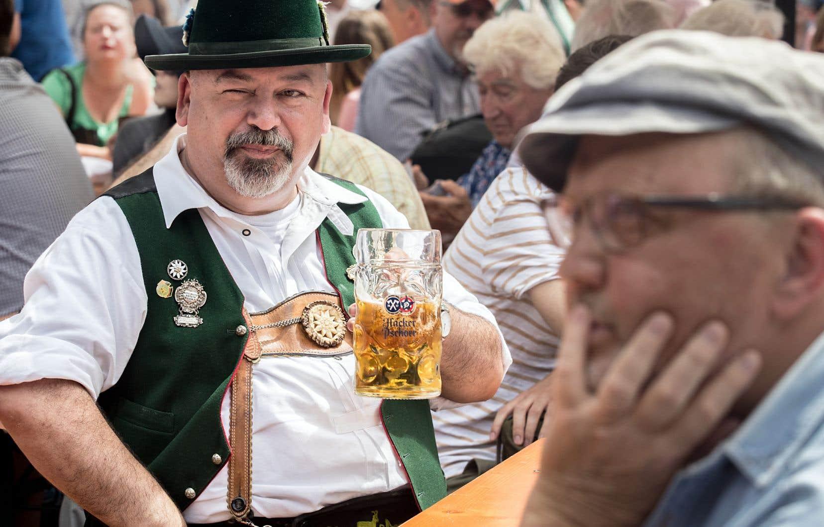 Selon un sondage remontant au tournant de la décennie, une majorité de Bavarois considèrent que les traditions sont centrales à leur identité.