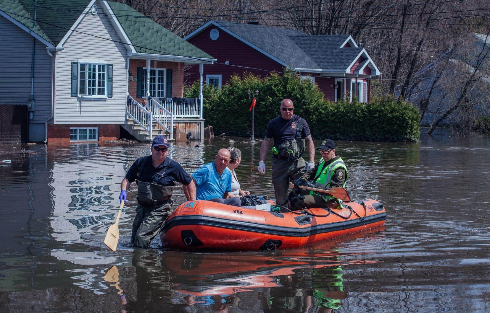 Le gouvernement n'a toutefois pas encore une nouvelle définition des zones inondables en main et n'a pas pris de décision sur les territoires encadrés par des digues.