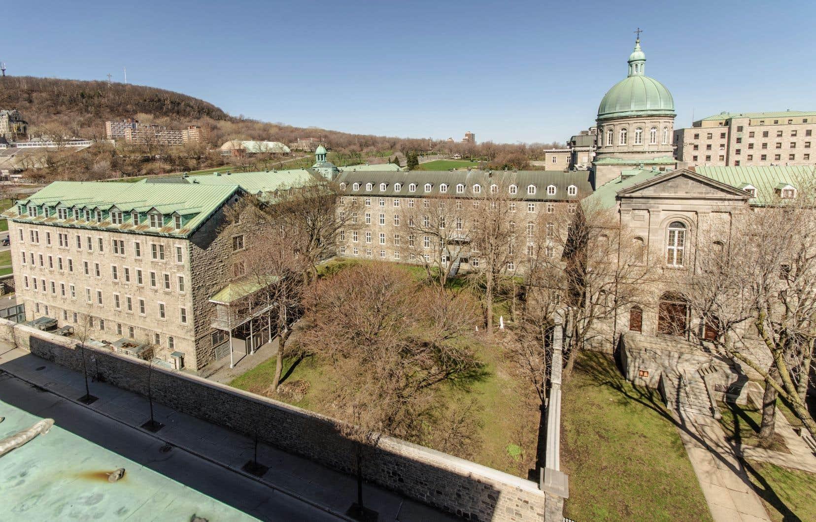Le couvent des Hospitalières situé au pied du Mont Royal, à Montréal